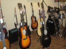 Magazine cu instrumente muzicale