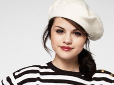 Selena Gomez - Teen Fashion Idol