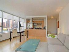 Apartament minimalist