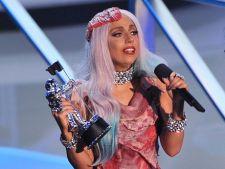 Lady Gaga imbracata in carne