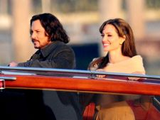 Johnny Depp si Angelina Jolie