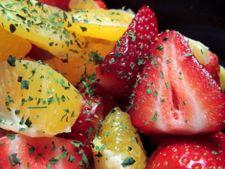 salata capsuni
