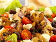 Salata cu ciuperci, rucola si rosii