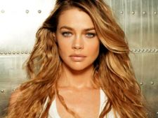 Denise Richards a adoptat o fetita