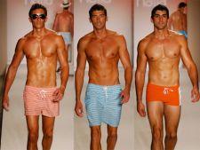 Costume de baie barbatesti pentru vara 2011
