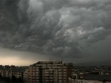 Furtuni si grindina dupa canicula