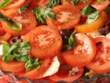 Salata de rosii cu busuioc si menta