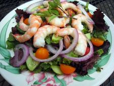 Salata greceasca cu creveti