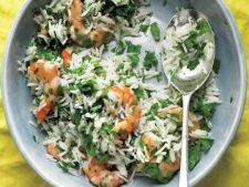 Salata de creveti cu orez si patrunjel