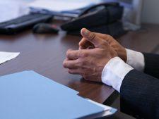 Ce gesturi trebuie sa nu faci in timpul unui interviu de angajare