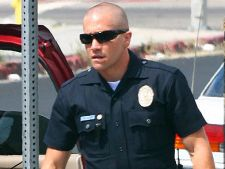 Jake Gyllenhaal s-a ras in cap pentru rolul din End of Watch