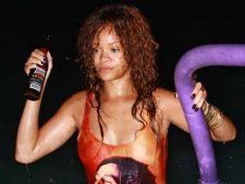 Rihanna, beata la o petrecere din Barbados