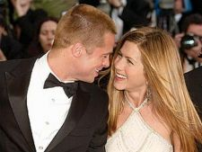 Dezvaluire: Jennifer Aniston i-a dat papucii lui Brad Pitt