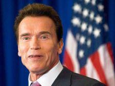 Arnold Schwarzenegger, amendat de doua ori in Austria  pentru fumat