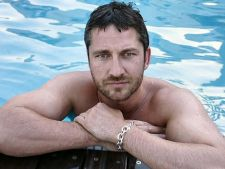 Gerard Butler, agent F.B.I. in The Bricklayer