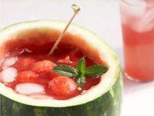 Punch de pepene rosu