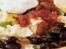 Reteta pentru mic dejun: tortillas cu fasole, branza si salsa