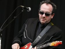 Elvis Costello concerteaza in premiera in Romania