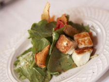 Salata de crutoane, verdeata si avocado