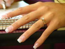 Inelul de logodna, pericol pentru cariera?