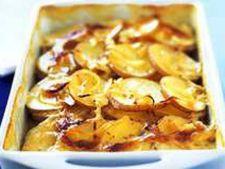 Reteta vegetariana: cartofi cu ceapa caramelizata