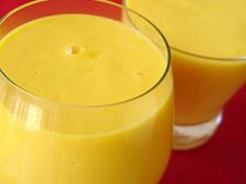 Cocktail nonalcoolic de mango si lamaie