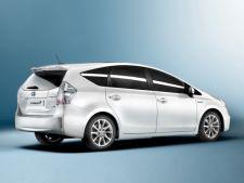 Toyota lanseaza Prius +, un hibrid cu 7 locuri