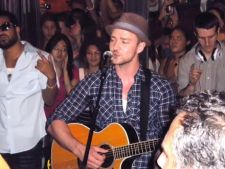 Justin Timberlake a revenit pe scena, intr-un show gratuit