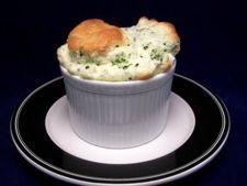 Sufleu de oua, broccoli si branza de capra
