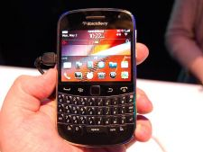 BlackBerry Bold 9900, disponibil in oferta Orange. Afla cat costa!