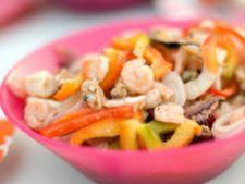 Salata picanta cu fructe de mare