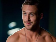 Advertorial: Ryan Gosling debuteaza in comedie cu