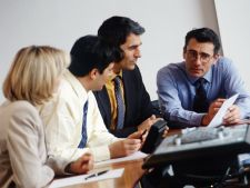 Studiu: Oamenii cinstiti nu pot reusi in afaceri in Romania