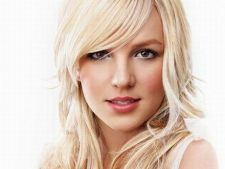 Britney Spears ii da sfaturi lui Beyonce