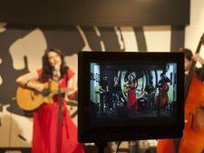 Vezi noul videoclip Alina Manole -