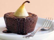 Briose cu ciocolata si pere