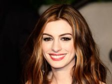 Anne Hathaway, confirmata in musicalul