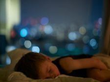 7 trucuri prin care il poti face pe copil sa adoarma usor