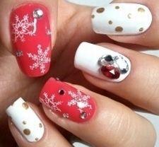 Modele de unghii pentru sarbatorile de iarna