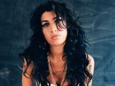 Amy Winehouse a murit din cauza alcoolului