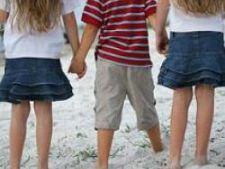 Peste 100.000 de copii romani au asigurare de studii
