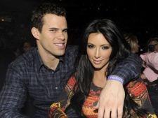 Kim Kardashian divorteaza