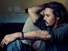 Johnny Depp zboara cu un avion privat ca sa poata fuma