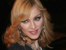 Piesa noua: Madonna - Give Me All Your Love (audio)