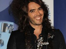 Russell Brand, hippiot sexy in The President Stole My Wife