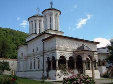 In vizita la manastirile din Oltenia