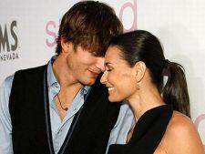 Ashton Kutcher pretuieste timpul alaturi de Demi Moore