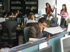 Previziuni sumbre: Doar 41.000 de noi salariati in 2012