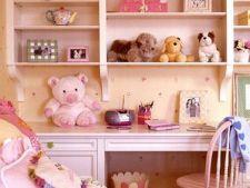 Solutii de depozitare in camera copilului