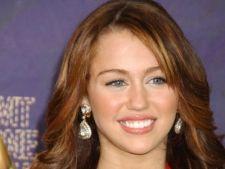 Miley Cyrus si-a sarbatorit cei 19 ani pana la 3 dimineata